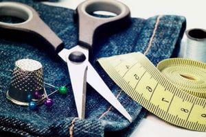 Ремонт одежды: простой способ вернуть любимой вещи новый вид