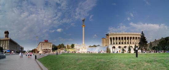 площадь Независимости и улица Крещатик