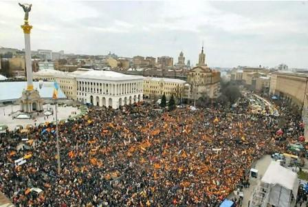 Помаранчевая ревулюция на майдане Независимости в 2004-ом году.