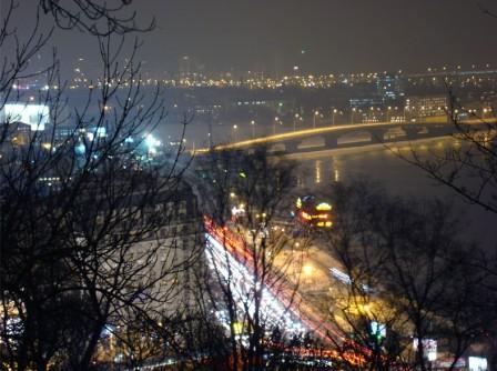 Вечерняя панорама города киева с владимирской горки