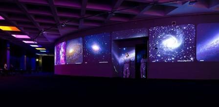 Интерьер холла в Киевском планетарии Атмосфера