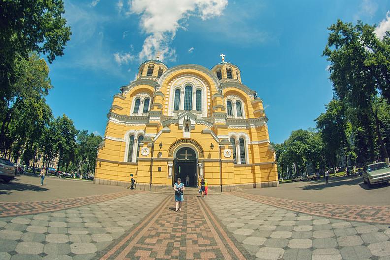 Киевский Владимирский собор летом
