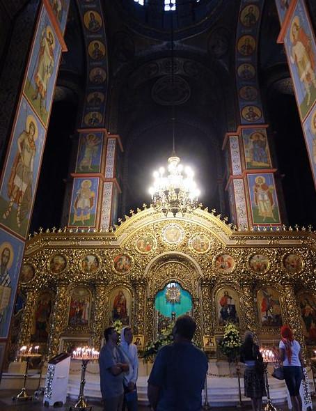 Михайловский собор в Киеве внутри (иконостас)