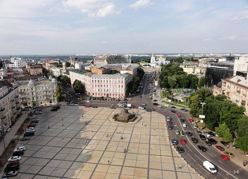 Рядом с Софийской площадью