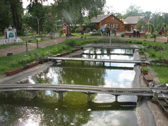 Территроия музея Украина в миниатюре Киев
