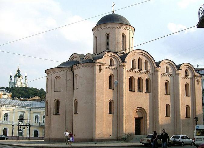 Церковь Успения Богородицы Пирогощи в Киеве