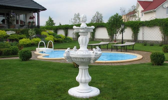 Декоративный фонтан и бассейн для сада